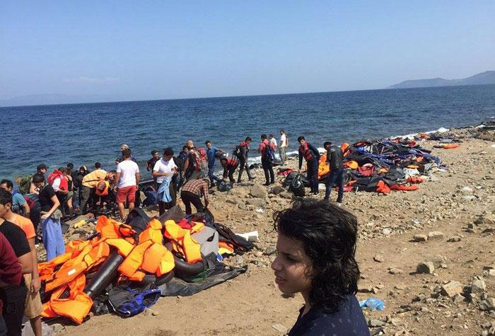 شباب عراقيون يعملون على إنقاذ المهاجرين عبر البحر من الموت - ساحل