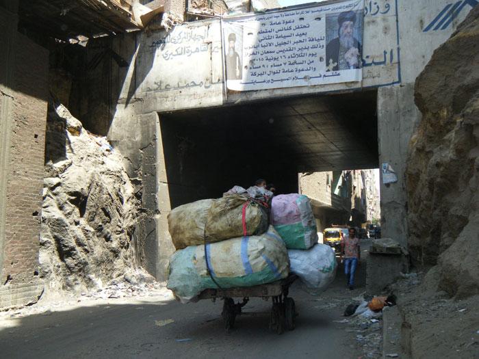 القصة المثيرة لدير سمعان الخراز ومنطقة الزبالين في مصر - صورة 8