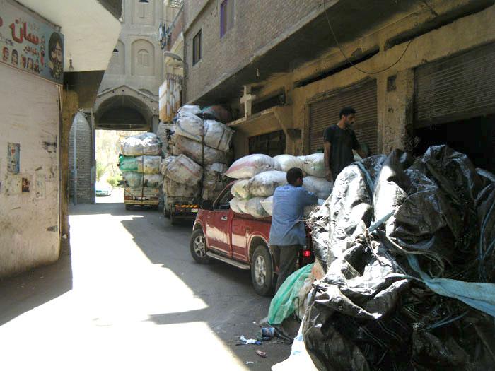 القصة المثيرة لدير سمعان الخراز ومنطقة الزبالين في مصر - صورة 2