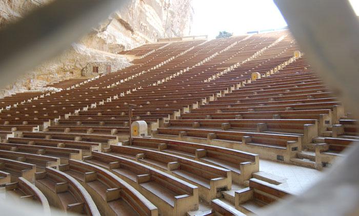 القصة المثيرة لدير سمعان الخراز ومنطقة الزبالين في مصر - صورة 5