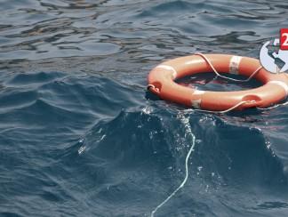 شباب عراقيون يعملون على إنقاذ المهاجرين عبر البحر من الموت