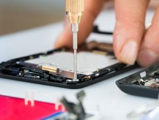 كيف يمكنكم إصلاح هاتفكم بنفسكم وبأقل كلفة ممكنة؟