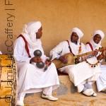 """من الأدوات المنزلية إلى """"الأوركسترا"""": أبرز التجارب الموسيقية في السودان (الجزء الأول)"""