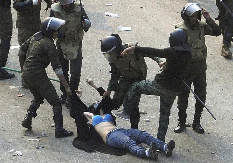 صور من العالم العربي هزت العالم .. صورنا التي لن ينساها العالم - البنات
