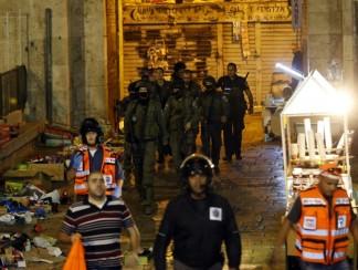 توتر في القدس والشرطة الإسرائيلية تمنع الفلسطينيين من دخول البلدة القديمة