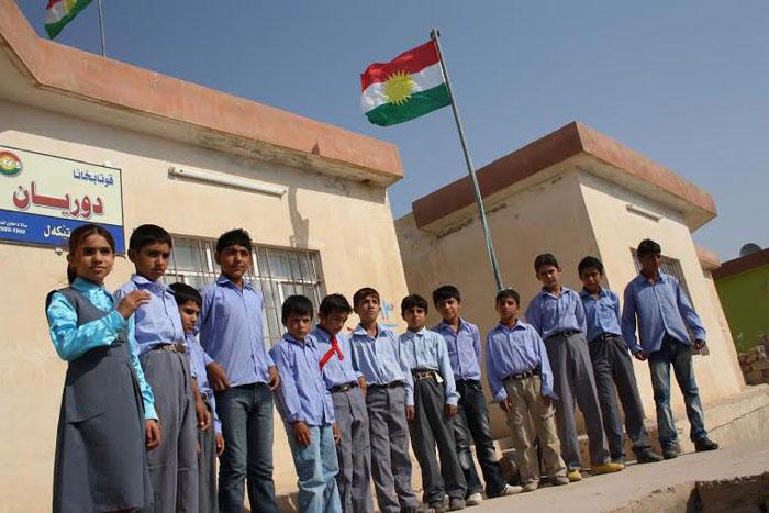 الغجر في كردستان .. غجر كردستان يتخلون عن حياة الترحال - أطفال-غجر-في-المدرسة-1