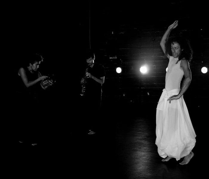 رجال الرقص الشرقي