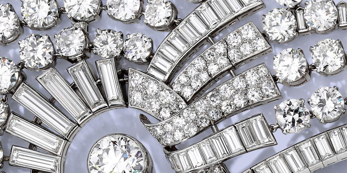 هل سيشتري الشيخ حمد آل ثاني عقد الملكة نازلي من Van Cleef & Arpels؟