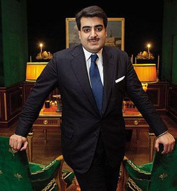 عقد الملكة نازلي .. هل سيشتريه الشيخ حمد آل ثاني؟