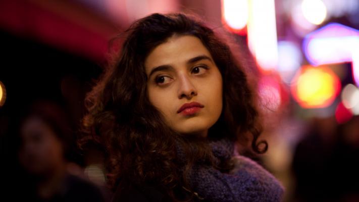"""مهرجان دبي السينمائي - مشهد من فيلم """"باريسية"""""""