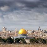 هل يحسم يوسف زيدان أمره: المسجد الأقصى فلسطيني أم لا؟