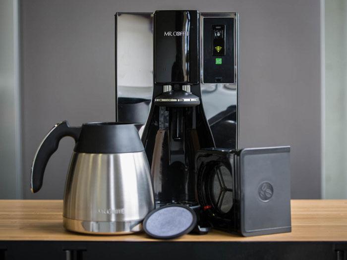 هدايا تكنولوجية يمكنكم شراؤها لأحبائكم هذا العيد - mr-coffee-smart-coffee-maker-product-photos