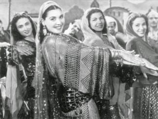 بديعة مصابني عميدة الرقص الشرقي وصاحبة مدرسة الفن الأولى في مصر