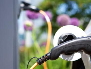 نعم للسيارات الكهربائية في الأردن