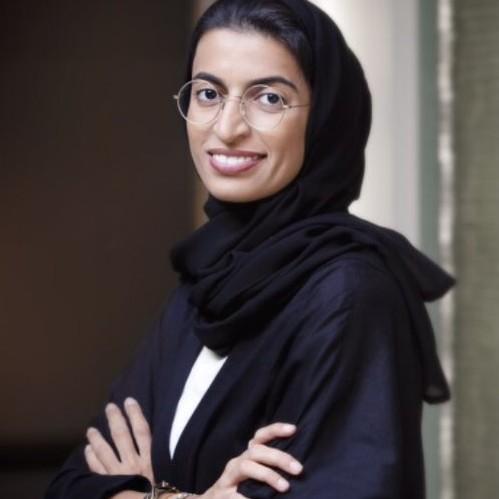 الحكومة الاماراتية الجديدة - نورة الكعبي وزيرة دولة لشئون المجلس الوطني