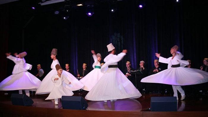 فرقة المولوية المصرية أثناء إحدى الرقصات