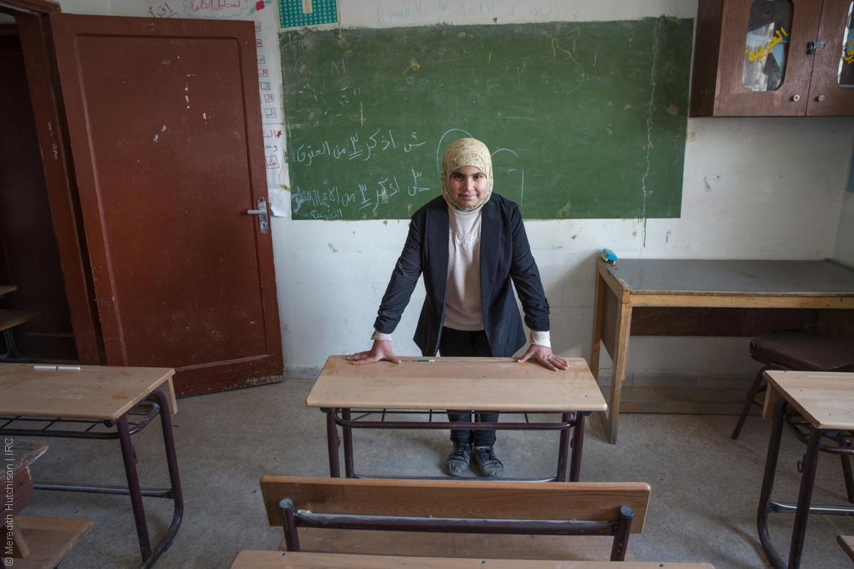 فتيات لاجئات - طفلة سورية في الصف