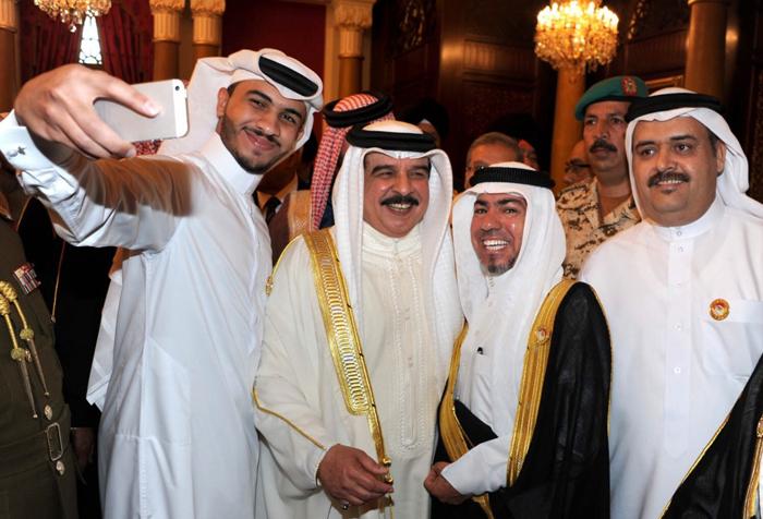 السياسيين العرب والسيلفي - حمد بن عيسى آل خليفة