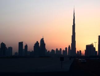 الإمارات تغرّد خارج السرب العربي