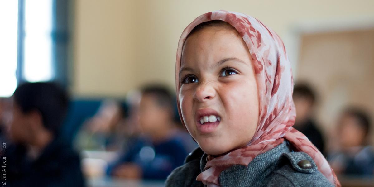 بينما يتجه العالم كله إلى الإنجليزية، هل يهجر المغرب العربية إلى الفرنسية؟