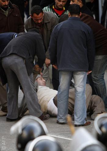 سلالم نقابة الصحافيين - ضرب صحافيين
