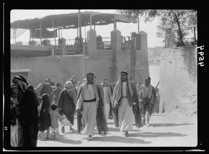 Baghdad-street-scenes_Library-of-Congress