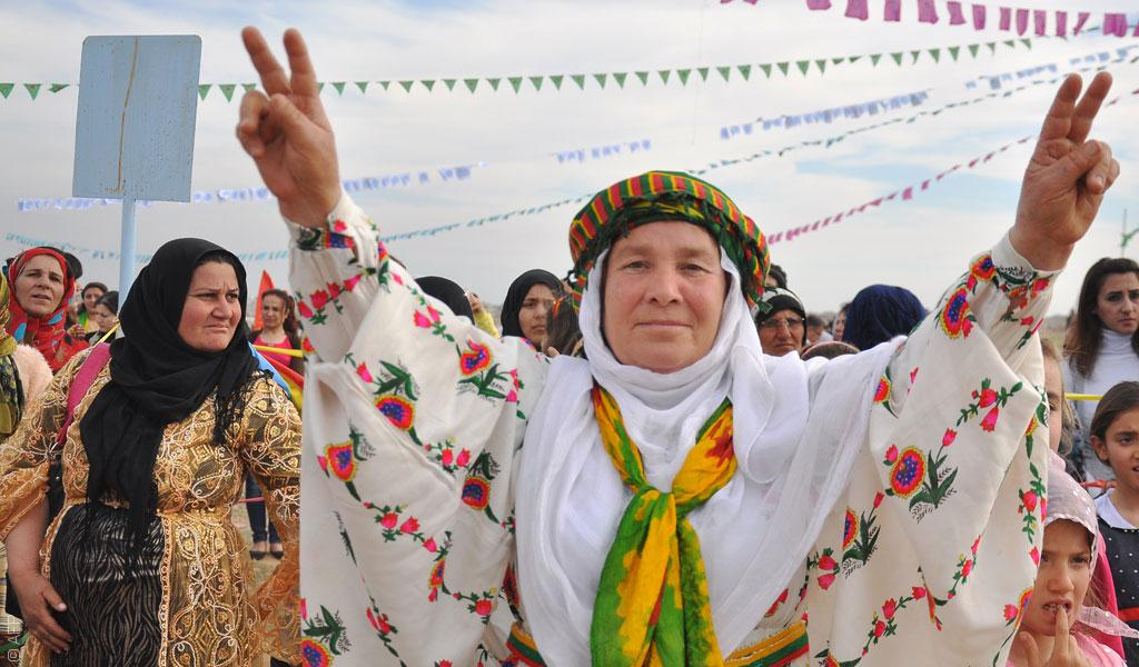 كيف ينظر الأكراد السوريون إلى إعلان الفيدرالية في سوريا؟
