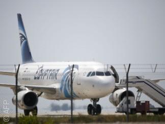 جولة على التعليقات الساخرة من حادثة اختطاف الطائرة المصرية