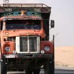 لدى سائقي الشاحنات الذين يعملون بين المناطق السورية أسرار كثيرة