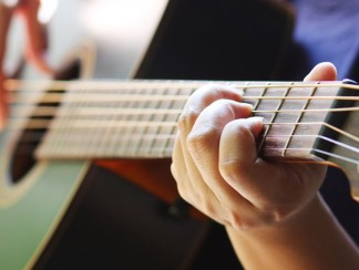 أبرز المواقع و قنوات اليوتيوب العربية لتعلّم عزف الموسيقى
