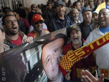 عن الدور الكبير الذي تلعبه كرة القدم في السياسة التونسية