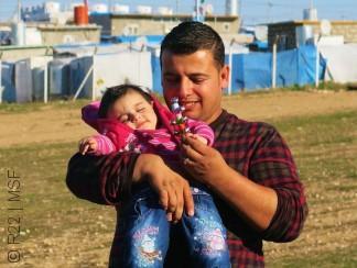 """من مخيم دوميز في العراق: """"قصتي قد تشكّل سيناريو جيد لفيلم سينمائي"""""""