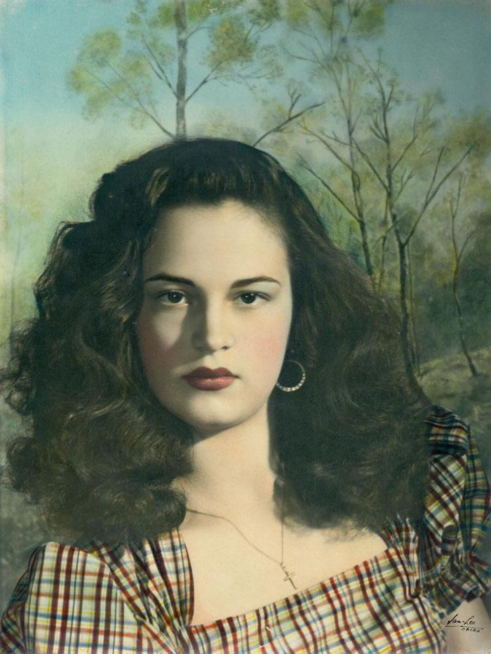 لوحة لفتاة ايطالية