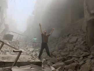 حلب تحترق وجنون في مواقع التواصل الاجتماعي