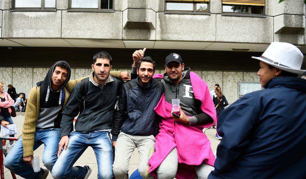 كيف يبحث اللاجئون الشباب عن شريكة حياة؟