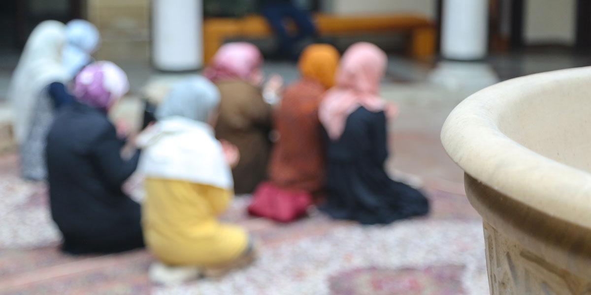 ليس فقط من أجل الدين... أسباب دنيوية لارتياد النساء لحلقات الذكر
