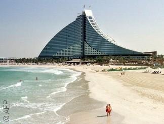 كل شيء تقريباً كان ممنوعاً في الإمارات في التسعينات