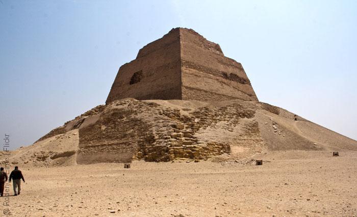 Meidum-Pyramid_Christopher-Rose_Flickr