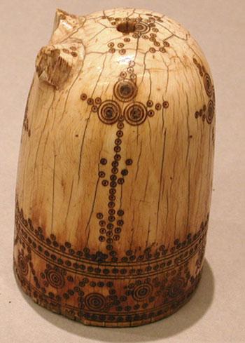 قطعة من شطرنج من غرب العالم الإسلامي، من القرن 11 أو 12.