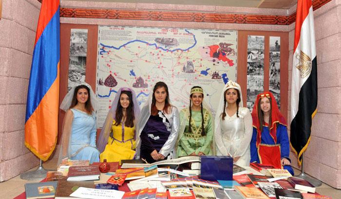 أرمن-مصريون-بالزي-الارمني-(1)