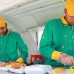 أول مطعم متنقل في غزة لمواجهة البطالة
