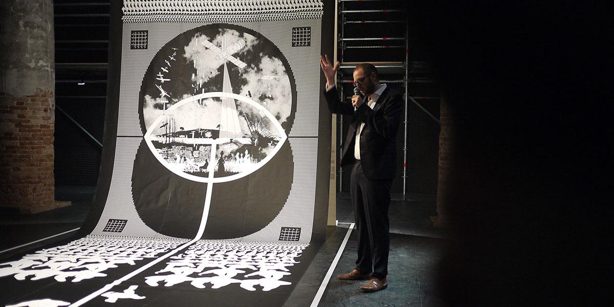 """المعماري السوري خالد ملص و""""المقاومة المبدعة"""" بطاحونة هواء"""