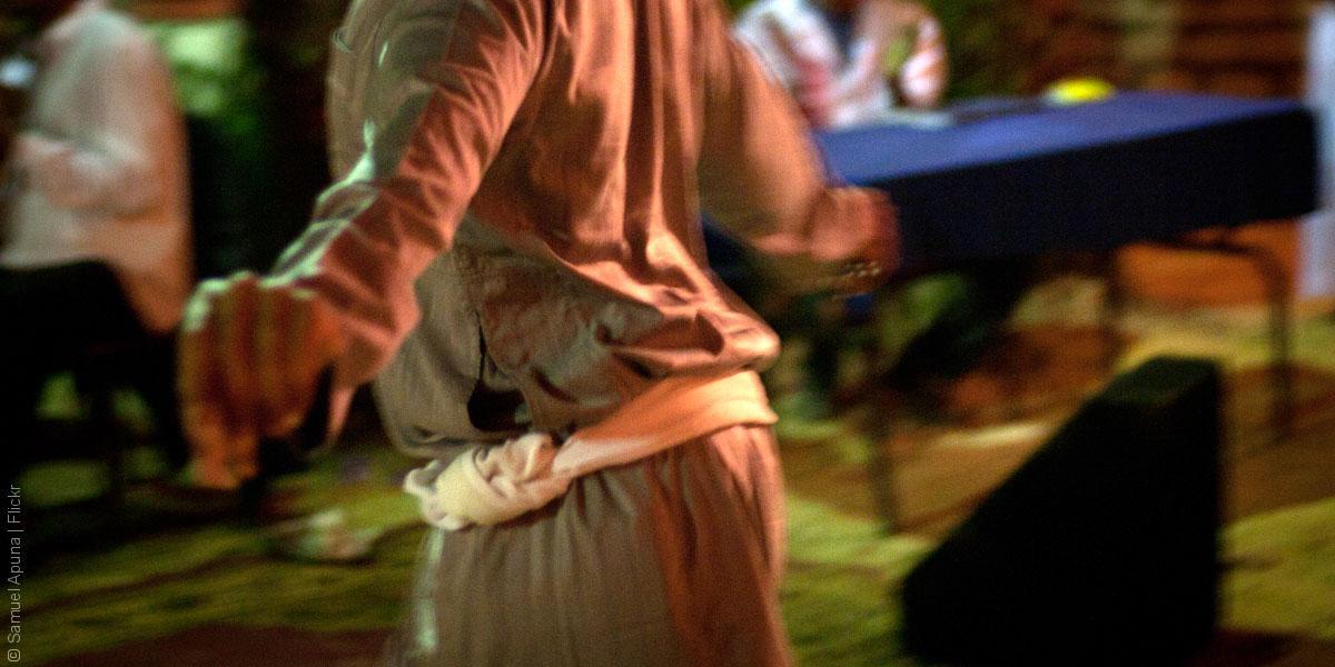 رقصة المعلاية: الإثارة الخليجية كما لم يعرفها أحد