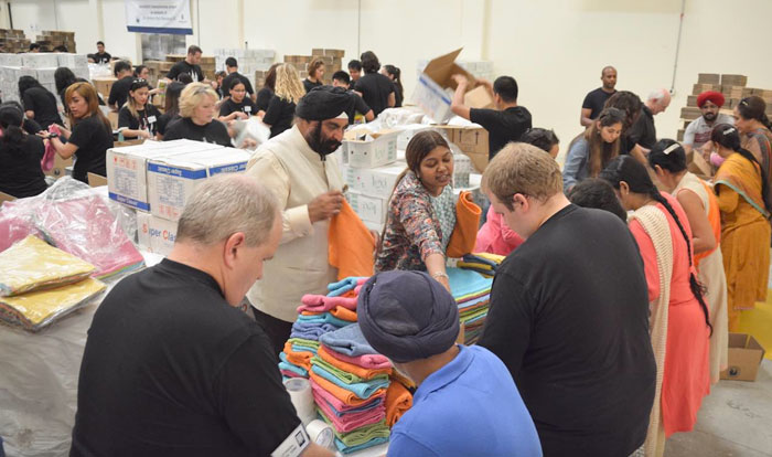 Members of The Church of Jesus Christ of Latter-day Saints and friends participate in humanitarian service in Dubai, UAE, November 2015