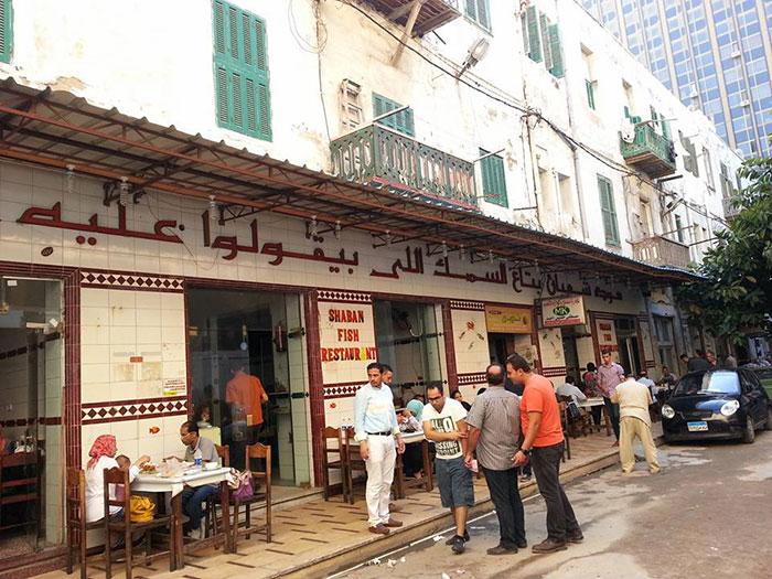 اشهر المطاعم الشعبية في مصر - شعبان بتاع السمك اللي بيقولوا عليه