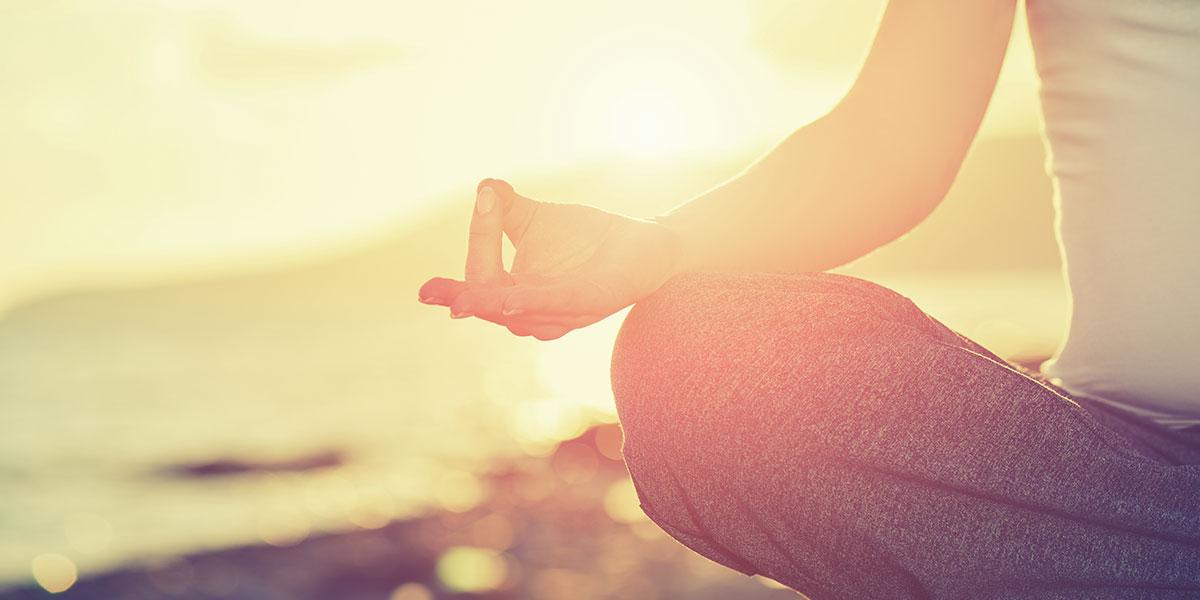 """""""فليصمت العقل ولتتكلم الروح"""": رحلة مع التأمل"""