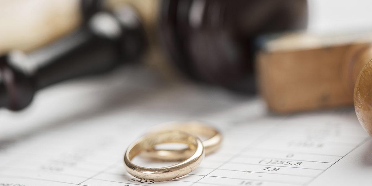 قصة واحدة من أكبر قضايا الطلاق في التاريخ البريطاني، بطلها ملياردير سعودي
