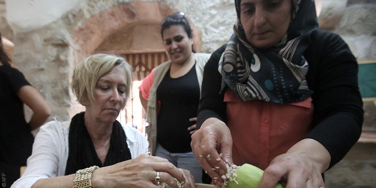 هل ترغبون بتعلم فن الطبخ الفلسطيني؟