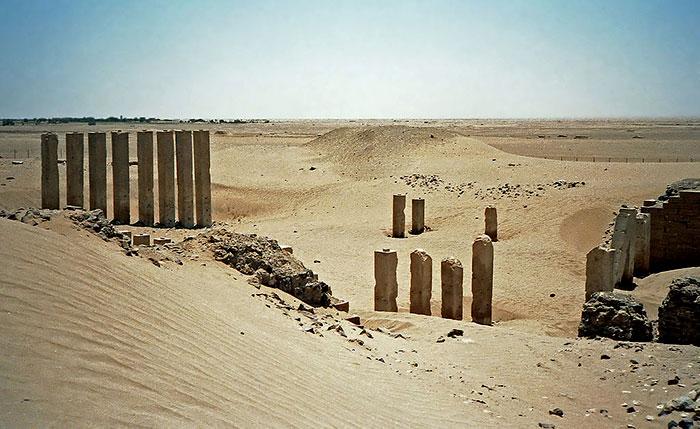 1024px-Bar'an_temple_1986-1