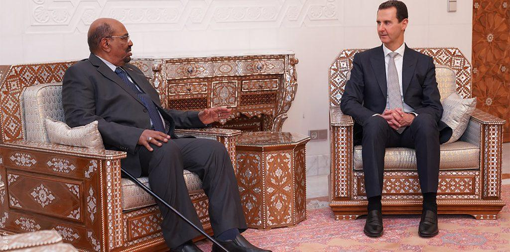 تخطيط روسي، جسّ نبض عربي، ضغط سوداني... عن رسائل ودلالات ظهور البشير مع بشار
